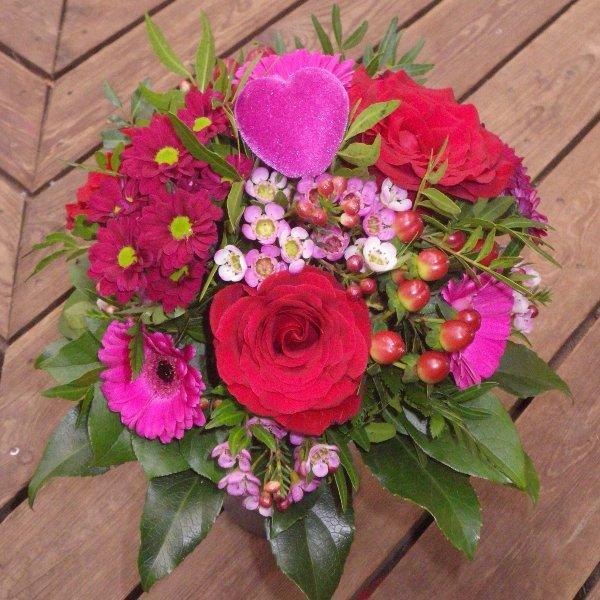 Blumenstrauß in rot/pink mit Rosen Bild 1