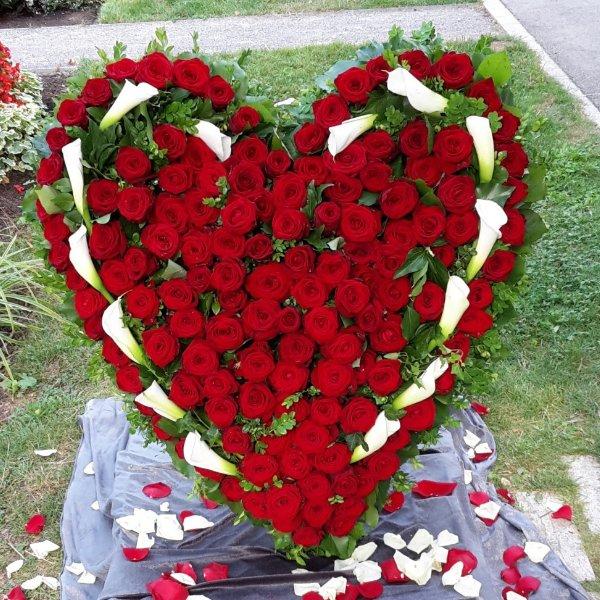Blumenherz mit Calla Bild 1