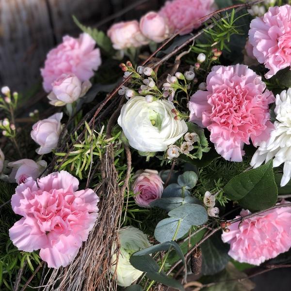Trauer-Kranz in rosa-weiß Bild 4