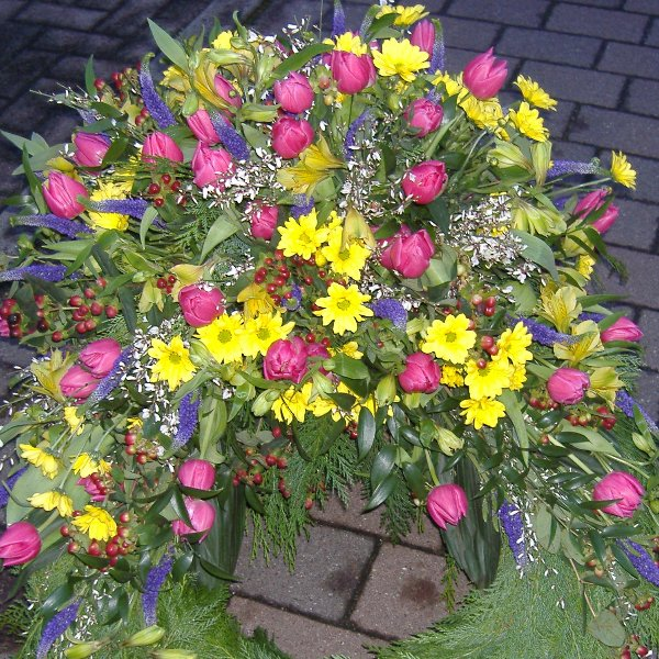 Trauerkranz Frühling Bild 3