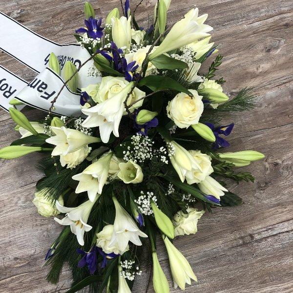 Trauerbukett weiße Lilien Bild 1