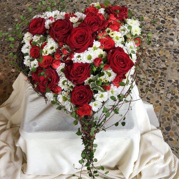 Blütenherz in Rot/weiß Bild 1