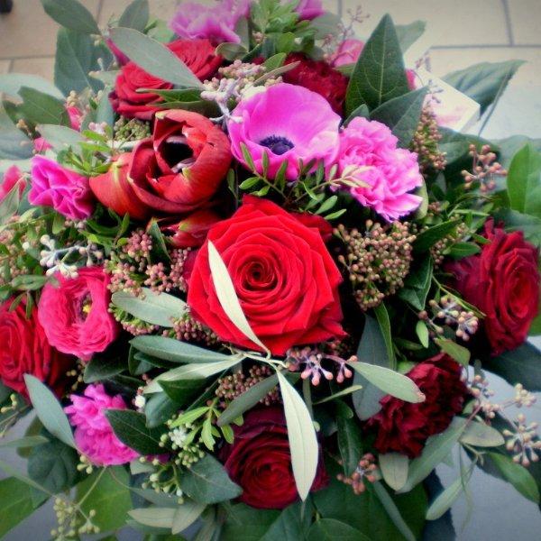 Strauß mit Rosen Bild 1