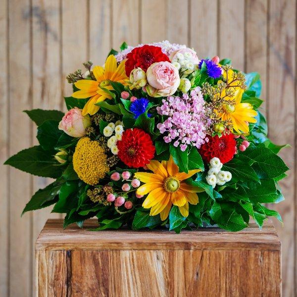 Blumenstrauß á la Saison in kräftig bunt Bild 1