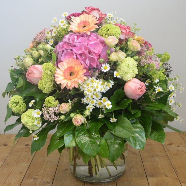 Blumenstrauß á la Saison in pastell Bild 1