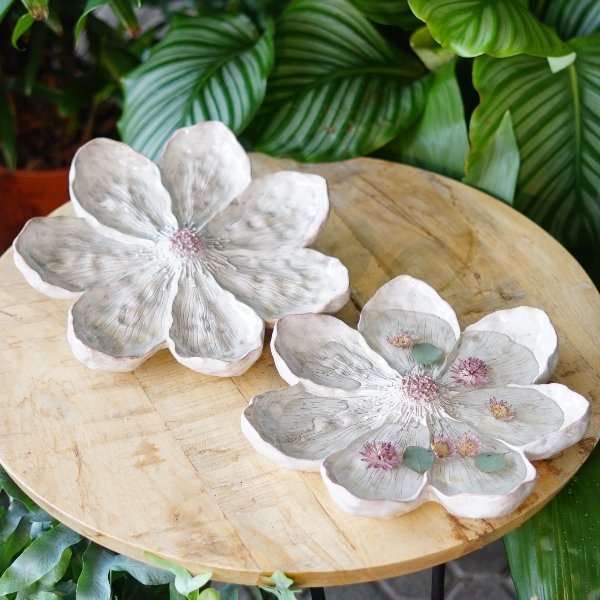 dekorative Blüte weiß Bild 1