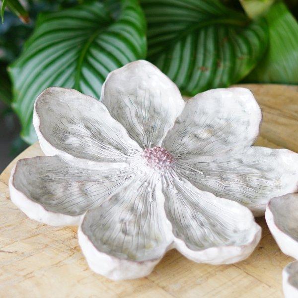 dekorative Blüte weiß Bild 2