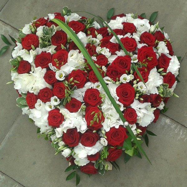 gestecktes Herz rot-weiß Bild 1