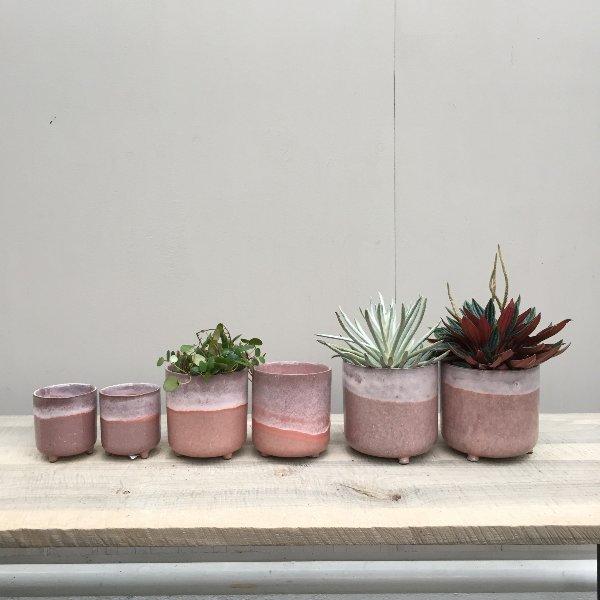 Übertopf 'Kacie Pink' mit Füßchen Bild 1