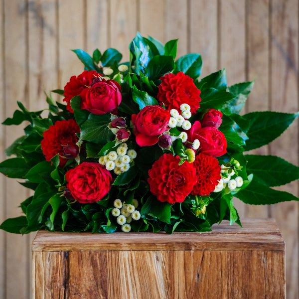 Blumenstrauß á la Saison in rot Bild 1
