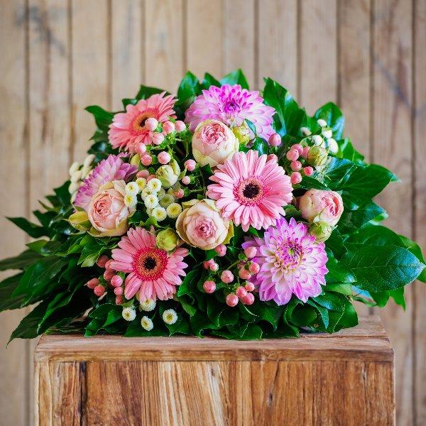 Blumenstrauß á la Saison in rosa Bild 1