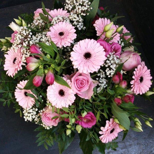 Blumenstrauß in rose Tönen mit Blumen der Saison Bild 2