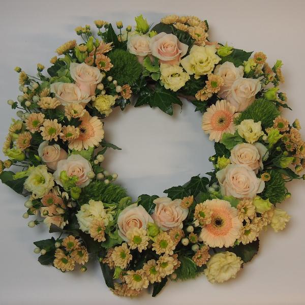 Urnenkranz, crèmefarbene Blumenkombination Bild 2