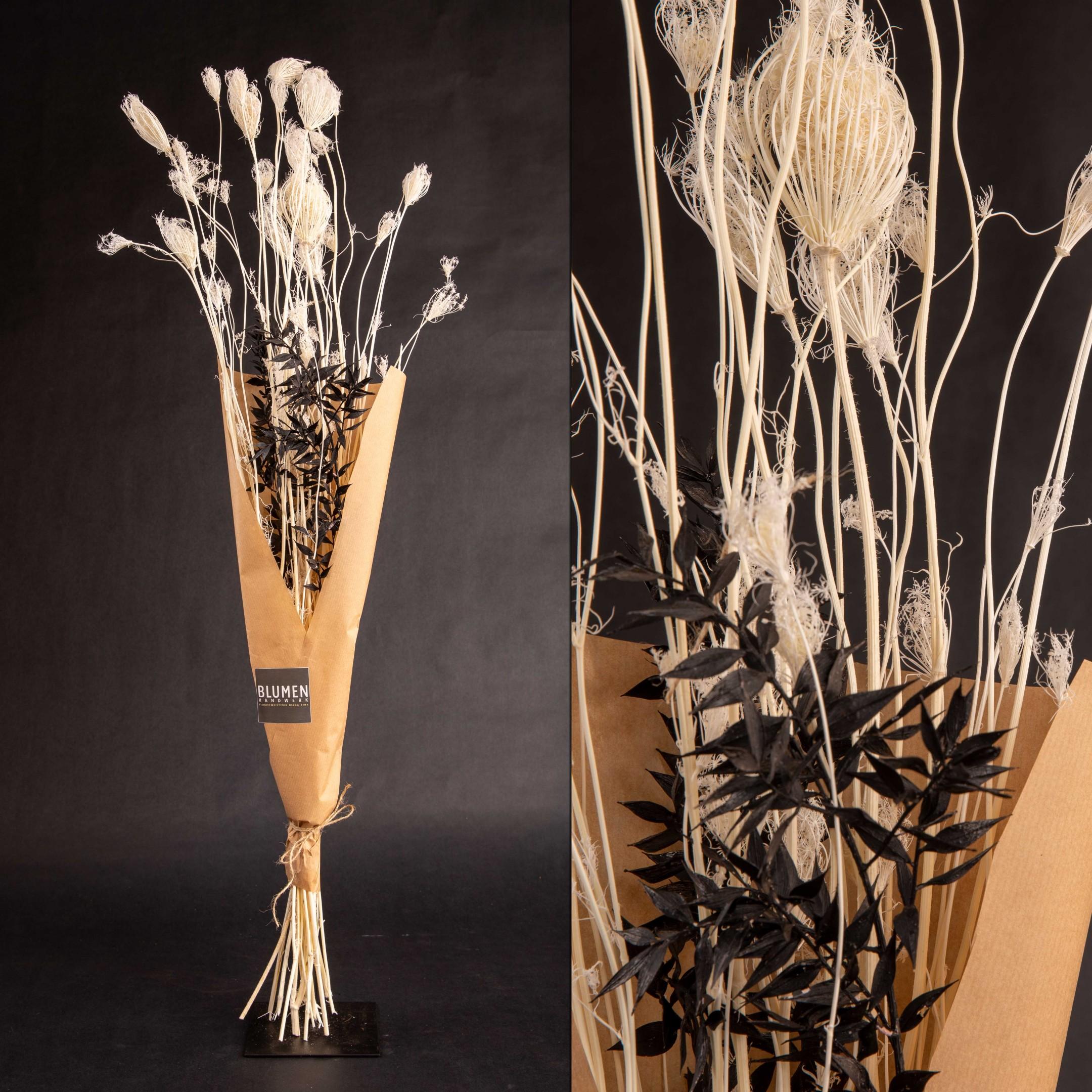 Trockenblumenbund black & white Bild 1
