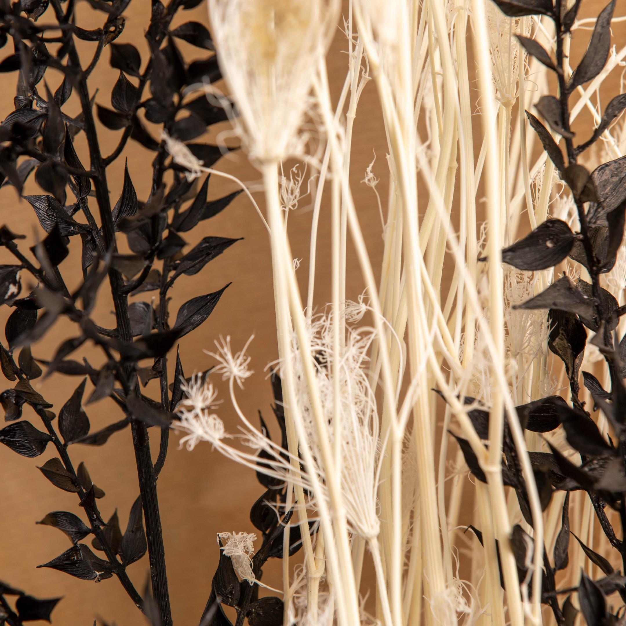 Trockenblumenbund black & white Bild 2
