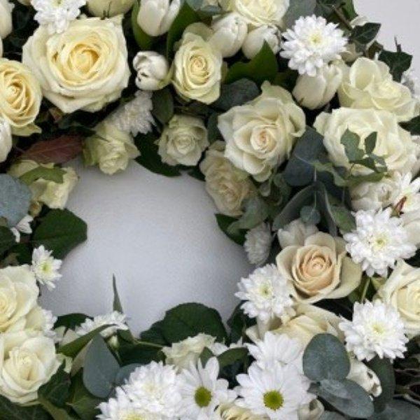 Trauerkranz Weiß Bild 2