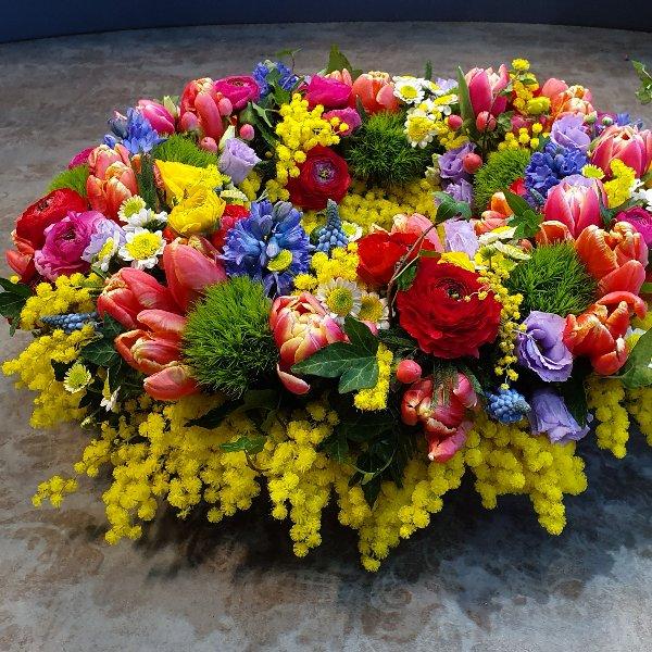 Blütenkranz rundgesteckt bunt Bild 3