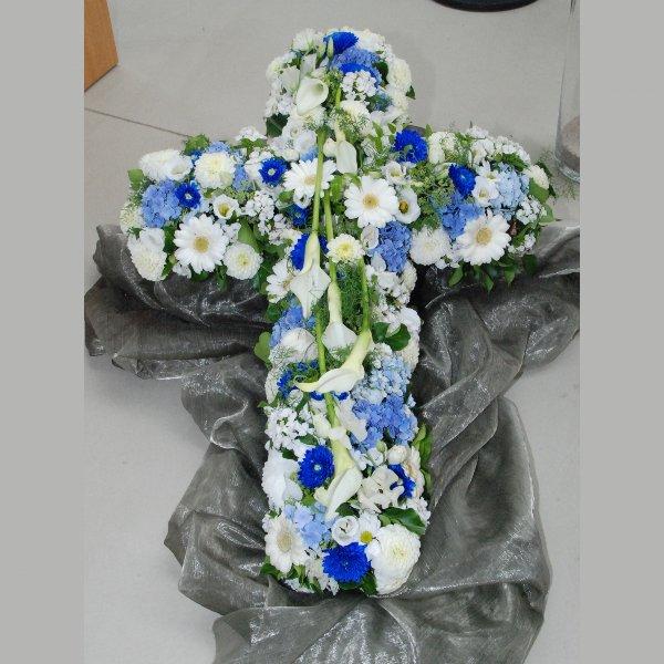 Kreuz in blau und weiß Bild 1