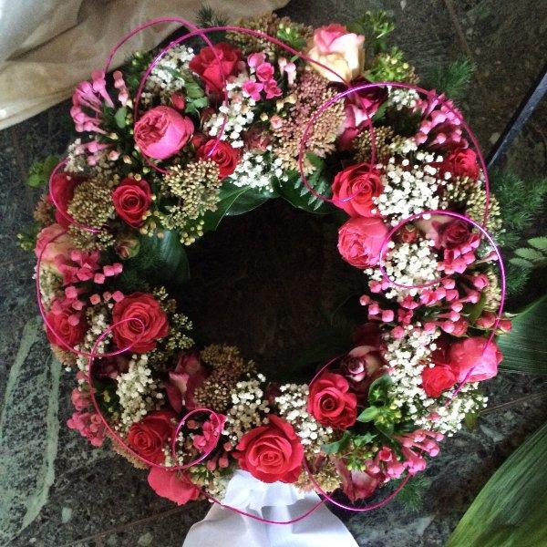 Trauerkranz rosa Rosen Bild 1