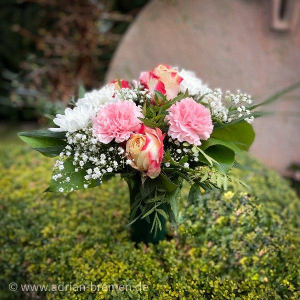 Gedenkstrauß, gemischte Blüten Bild 1