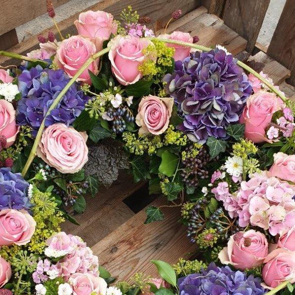 Blütenkranz rosa/violett Bild 2