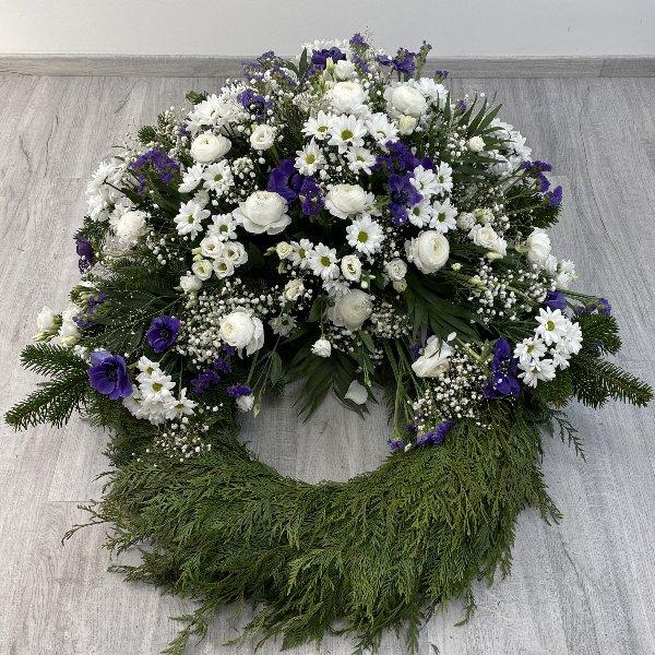 Trauerkranz weiß-blau Bild 3