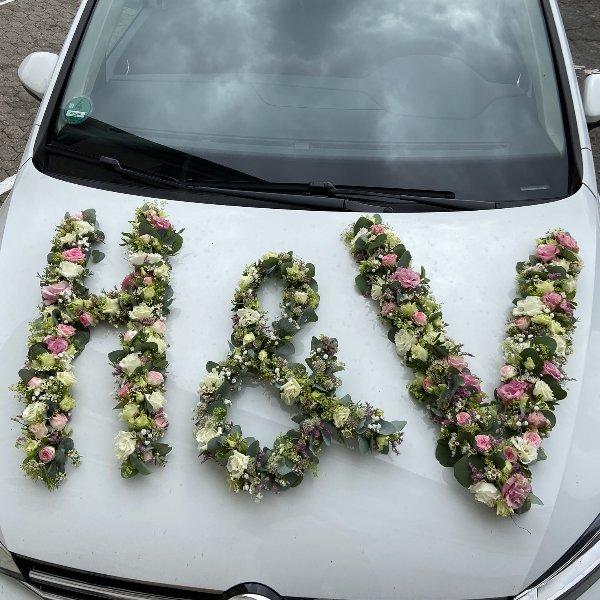 Initialen aus Blumen Bild 1