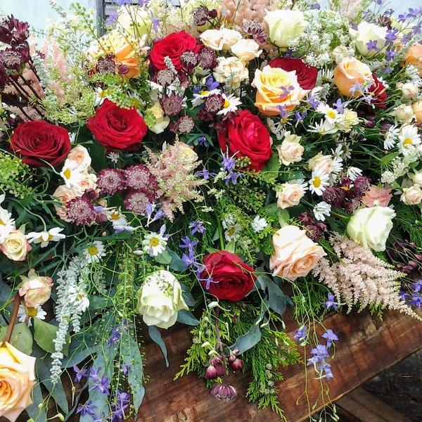 Sarggebinde Sommerblumenwiese Bild 2