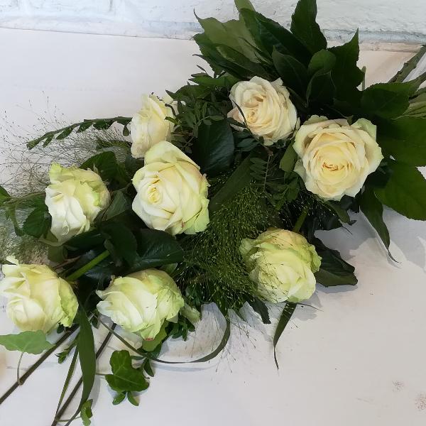 Trau 1   Trauerstrauß aus weißen Rosen Bild 2