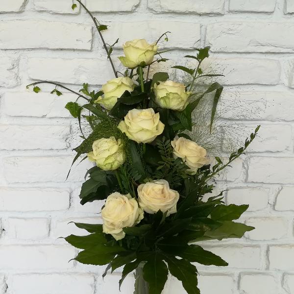 Trau 1   Trauerstrauß aus weißen Rosen Bild 1