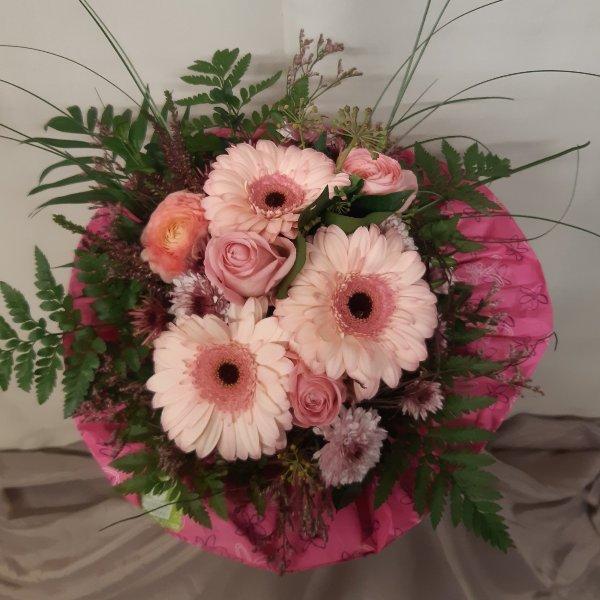 Blumenstrauß 99040 Bild 1