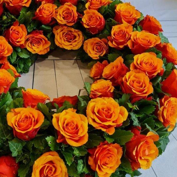 Blütenkranz orange Bild 2