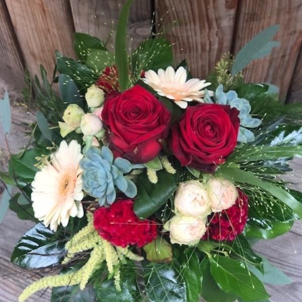 """Blumen-Strauß """"Rote Rosen und mehr"""" Bild 1"""