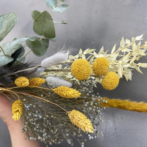 DIY Box Trockenblumenkranz gelb-grau Bild 1