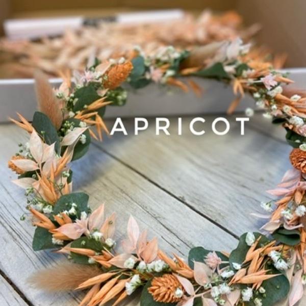 DIY Box Trockenblumenkranz apricot Bild 1