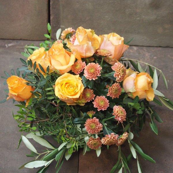 Grabgesteck mit Rosen Bild 3