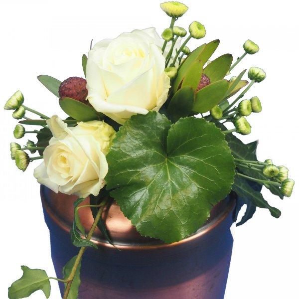Urnenschmuck mit weißen Rosen Bild 2