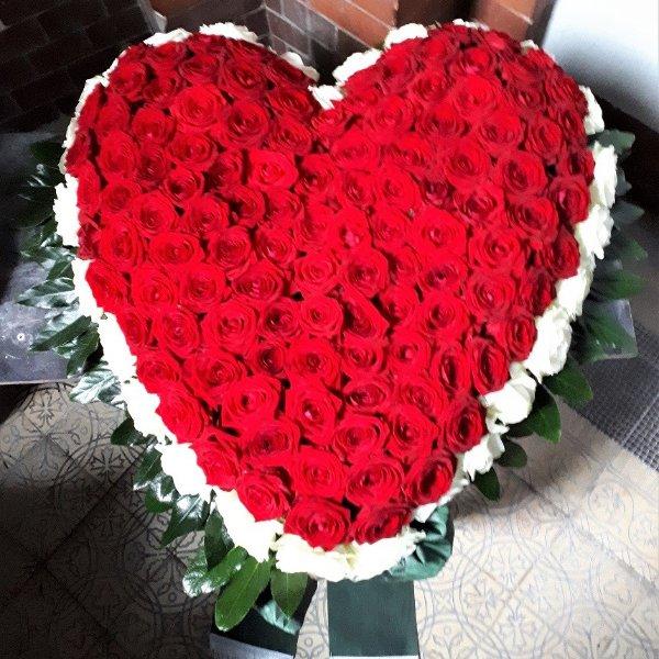 Rot-weißes Herz Bild 1