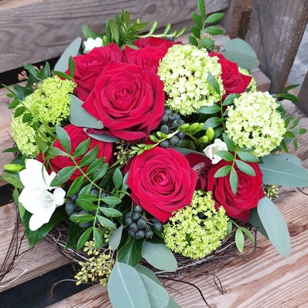 Blütentorte rot Bild 1