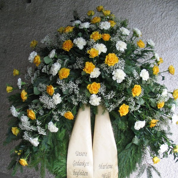Trauerkranz Nelken Rosen Bild 1
