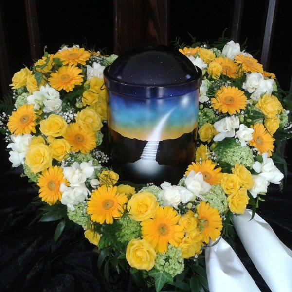 Urnenherz gelb-weiß Bild 1
