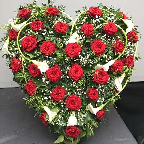 Trauergesteck - Herzform rot/weiß Bild 1