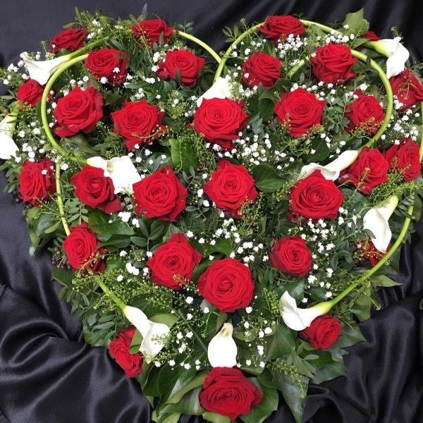 Trauergesteck - Herzform rot/weiß Bild 2