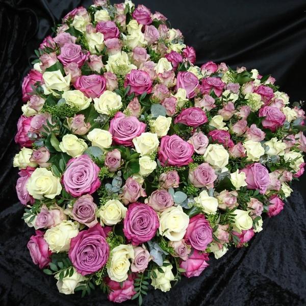 Trauergesteck - Herzform rosa/weiß Bild 1