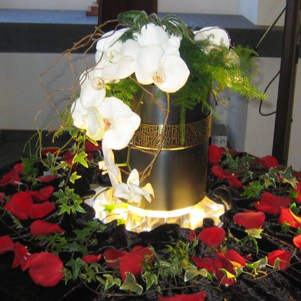 Urnenschmuck Orchidee Bild 1