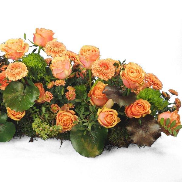 Trauergesteck -Friesform- lachsfarbene Rosen Bild 1