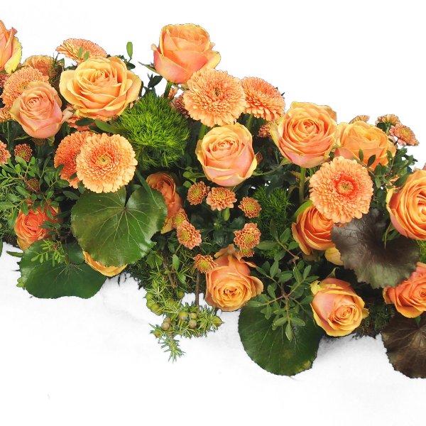 Trauergesteck -Friesform- lachsfarbene Rosen Bild 2