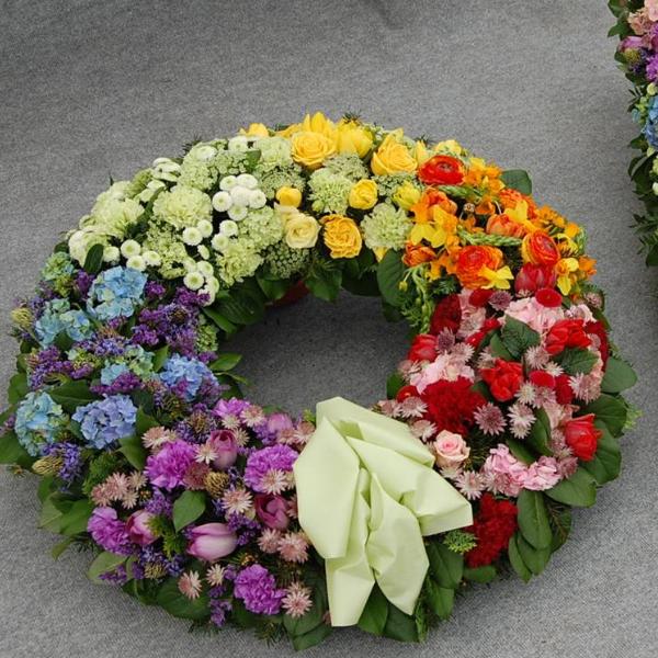 Trauerkranz Farbverlauf Bild 1