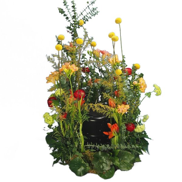 Urnenwiese mit frühlingshafter Blumenkombination Bild 2