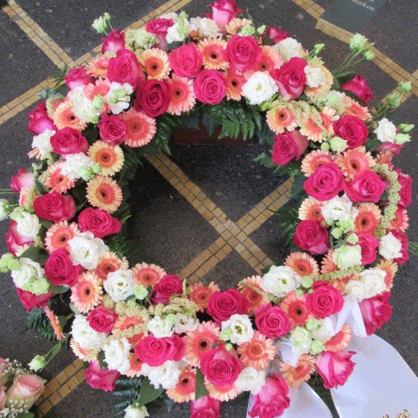 Blütenkranz, rosa/weiß Bild 1